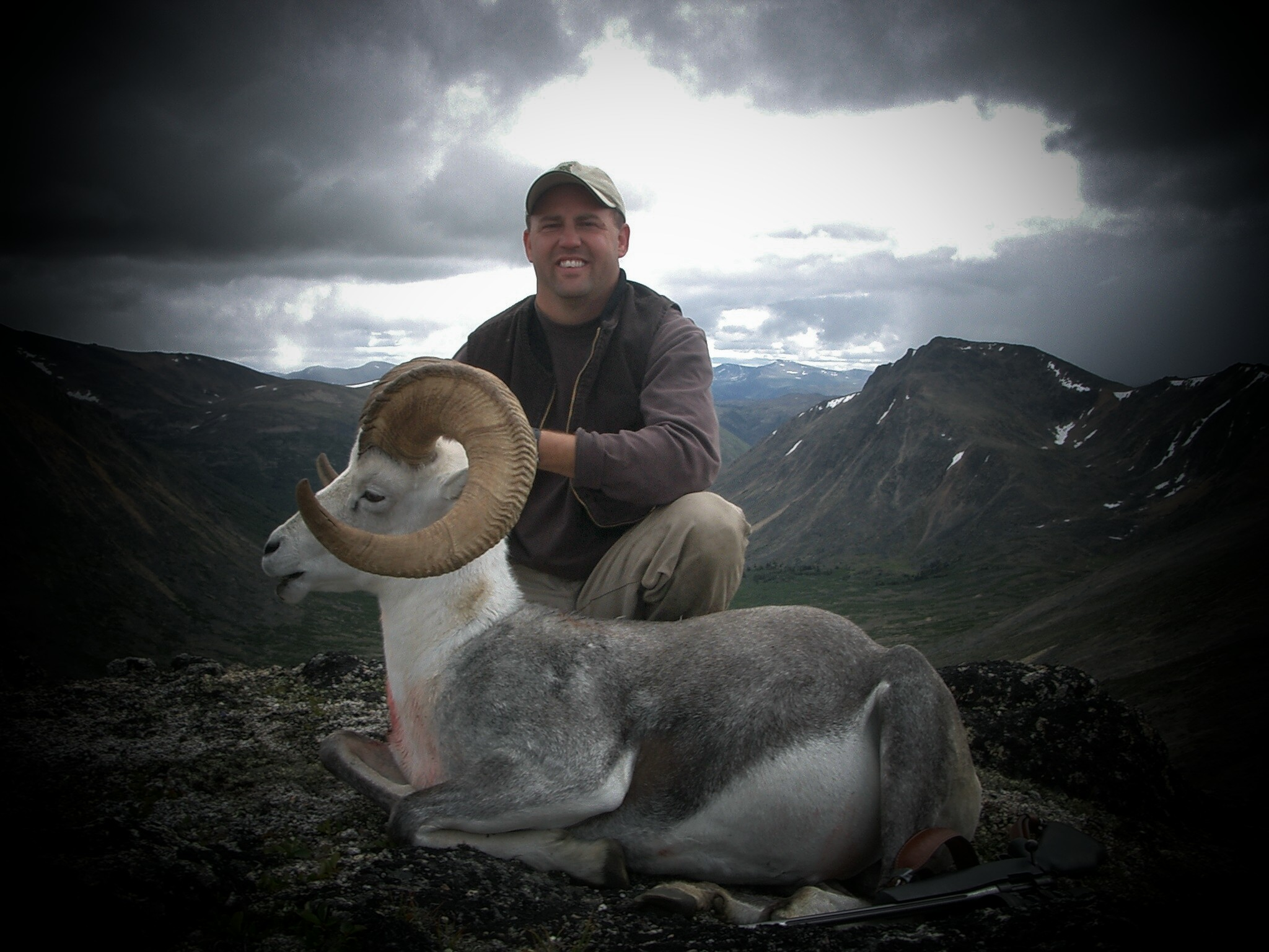 Canadian Stone Sheep Hunting Bc Guided Hunting Bc